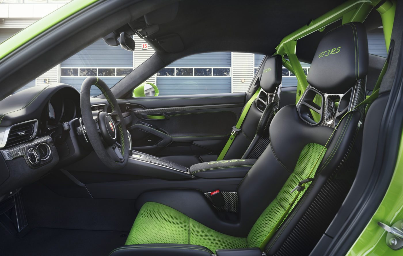 Porsche 911 GT3 RS specs include a roll bar and racing seats