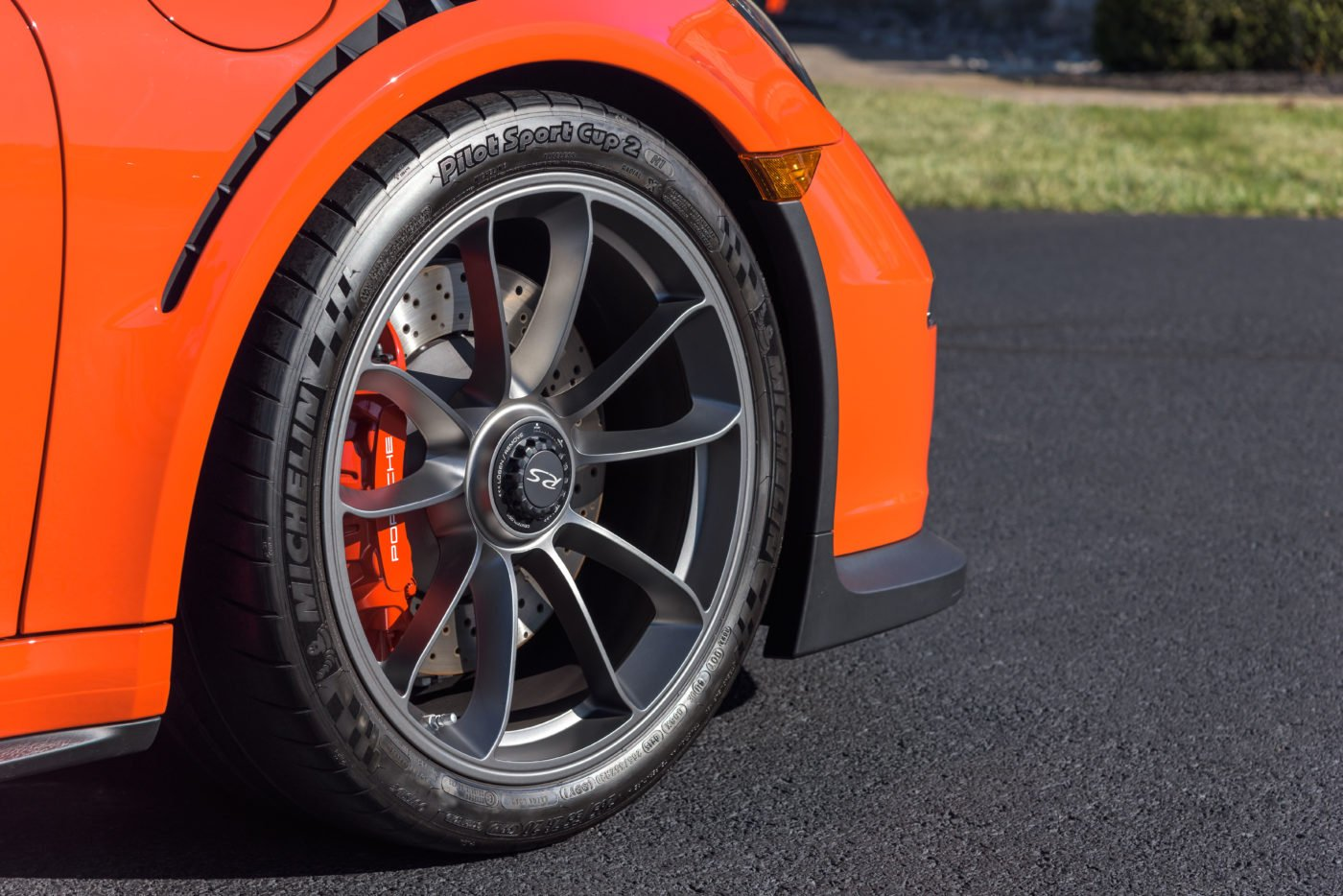 Porsche 911 GT3 RS specs demand the best brakes in the world