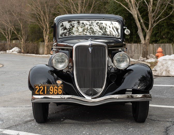 1934 Ford 5-Window Coupe