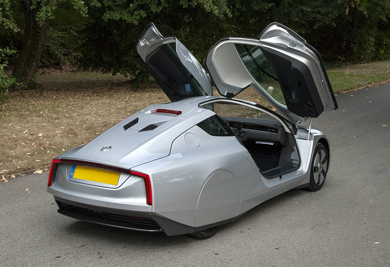 2014 Volkswagen XL1 | Ever go to an event where all the cars were the same color?