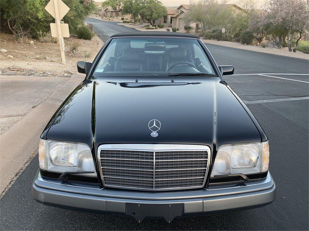 1995-Mercedes-Benz-E320-Cabriolet-front