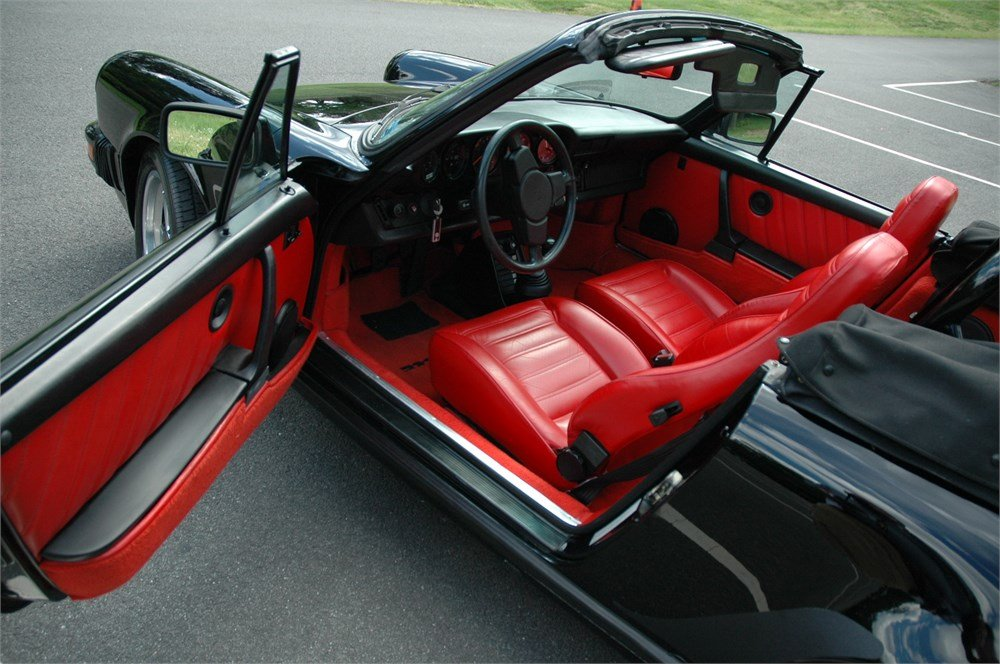 1983 Porsche 911SC Cabriolet interior