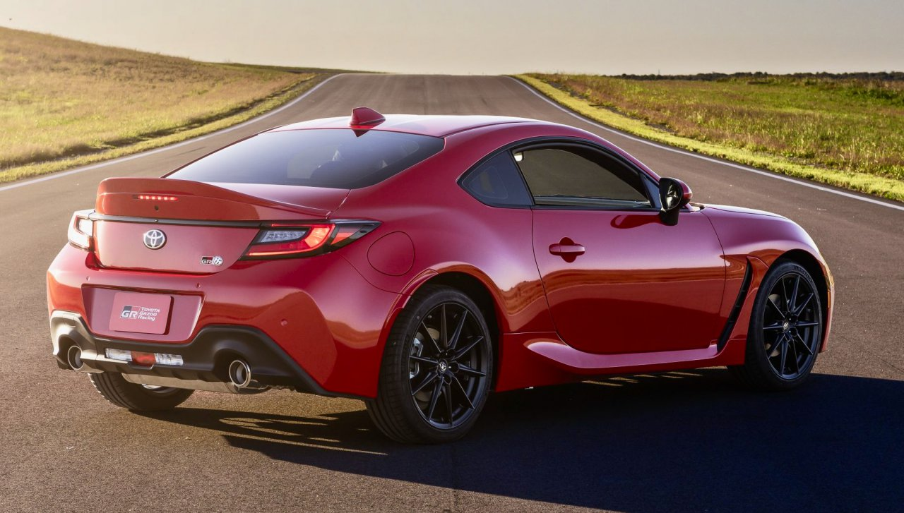 Toyota offers high-performance driving instruction with 2022 GR 86