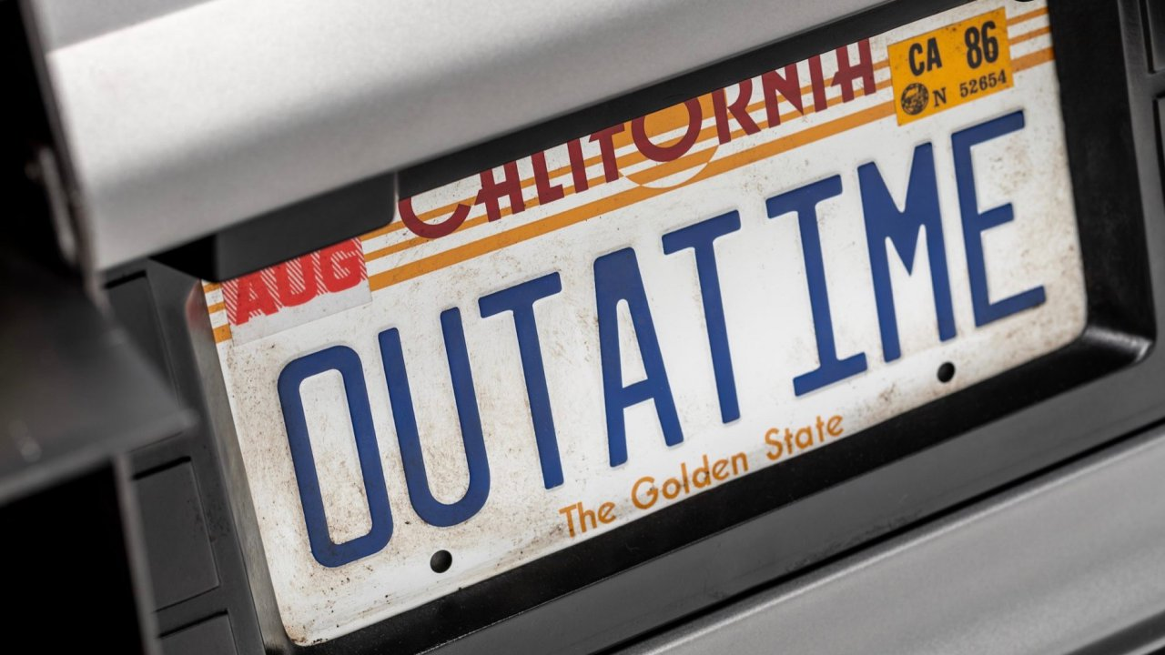 """""""Back to the Future"""" DeLorean time machine added to National Historic Vehicle Register"""