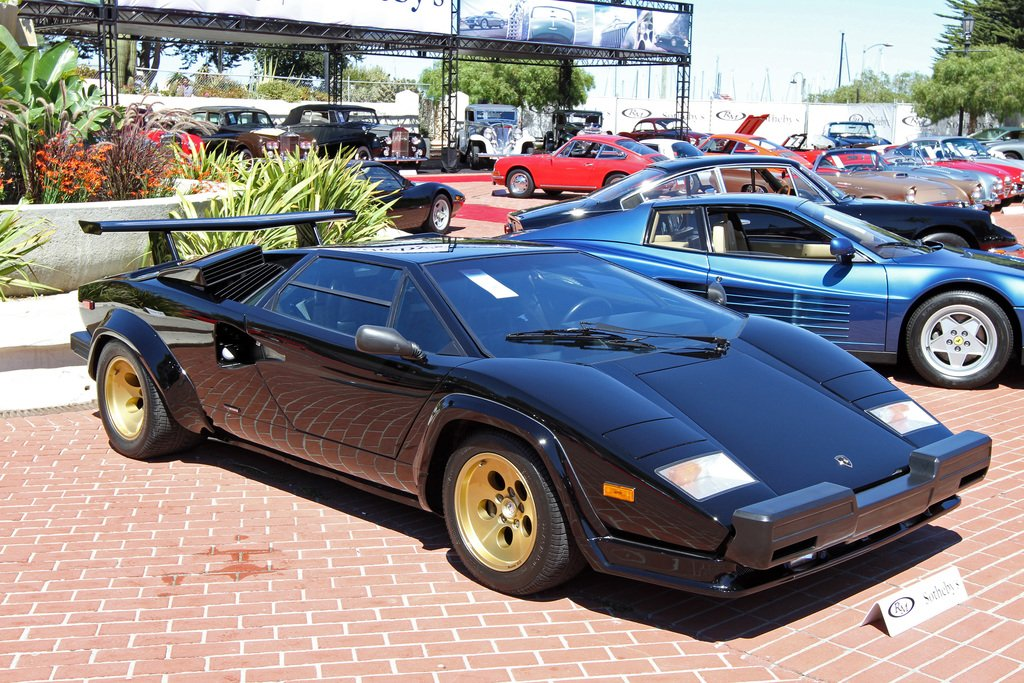 Front view of the 1985 Lamborghini Countach LP5000QV
