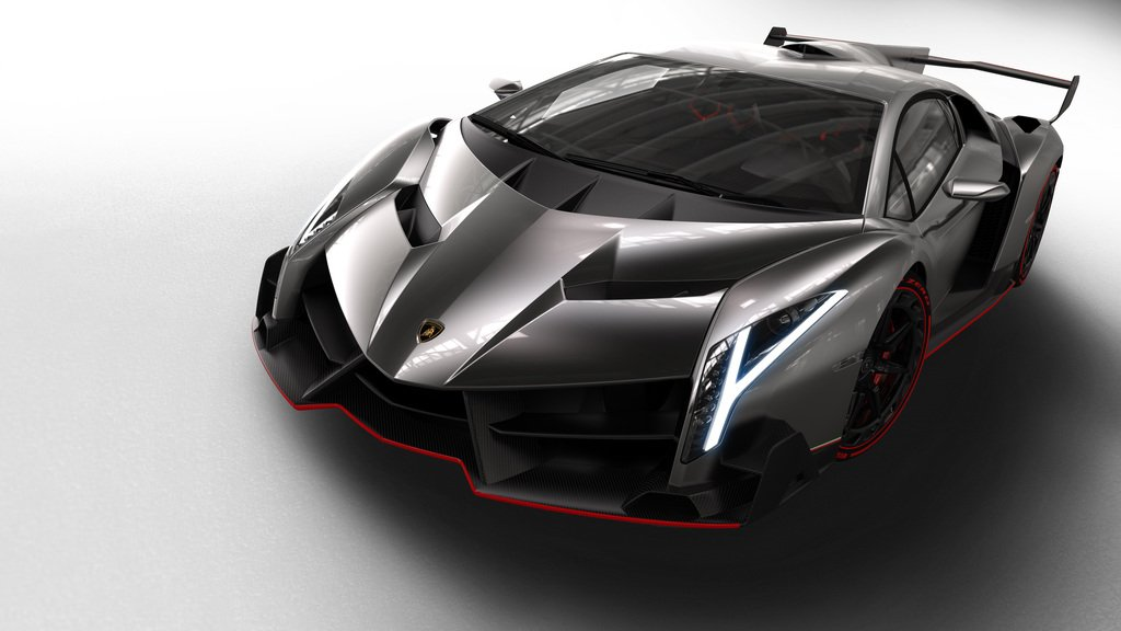 Front view of the 2013 Lamborghini Veneno