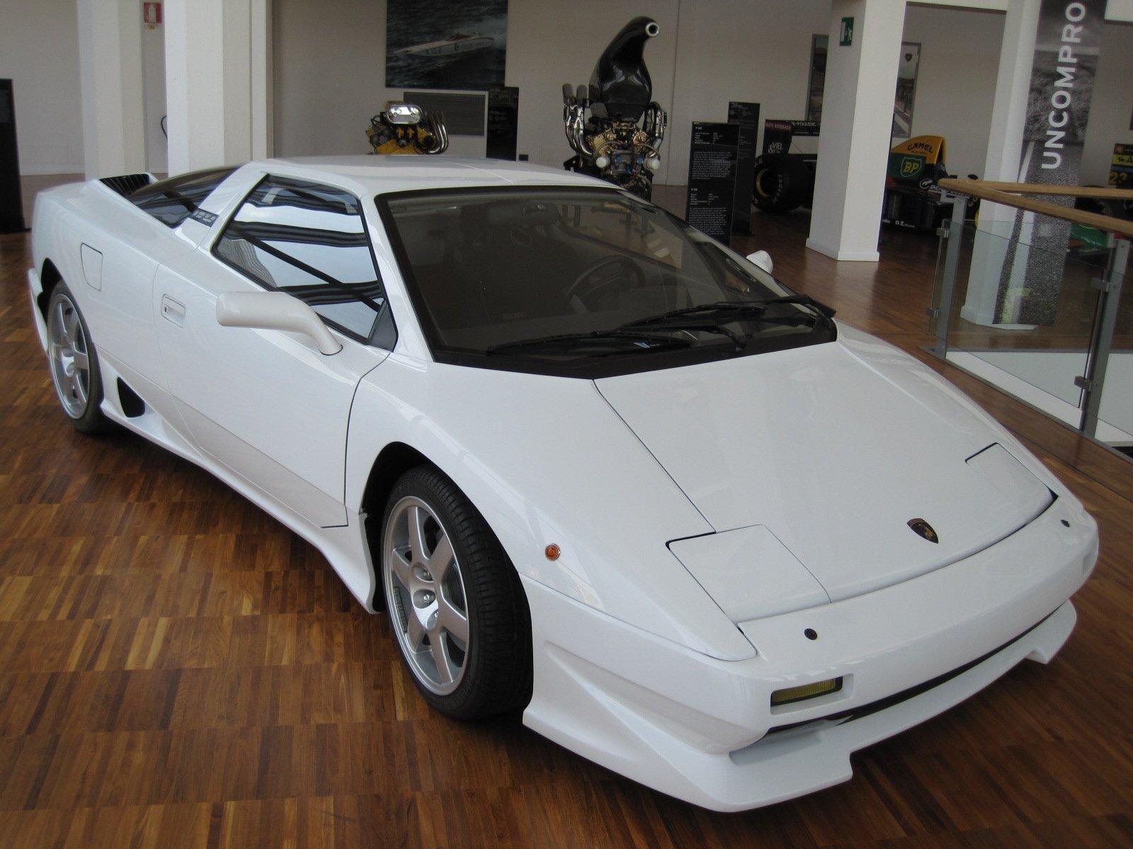 1988 Lamborghini P140 Concept front,